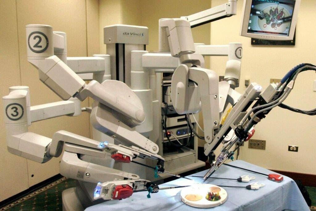 robot da vinchi 1024x683 - Роботизированный комплекс «Да Винчи»