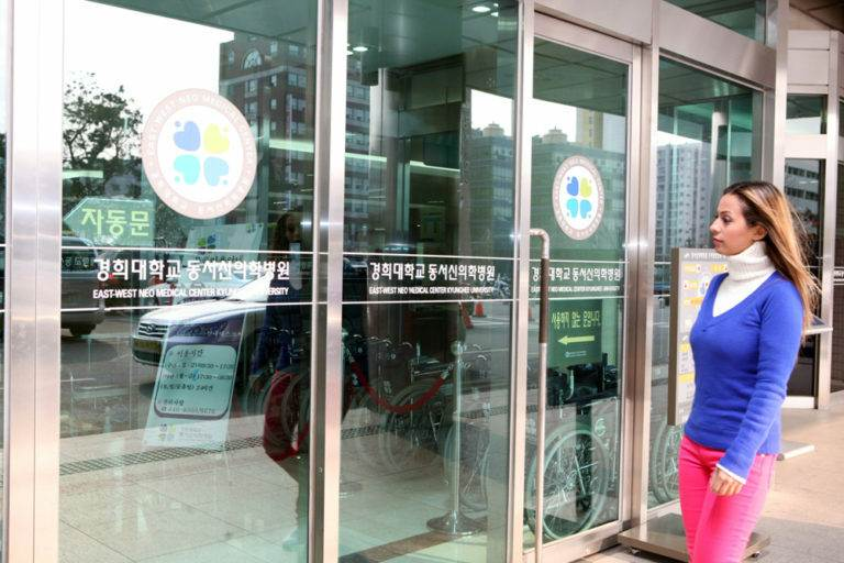 Реконструкция голосовых связок при помощи аутологичного кожно-жирового лоскута в Корее