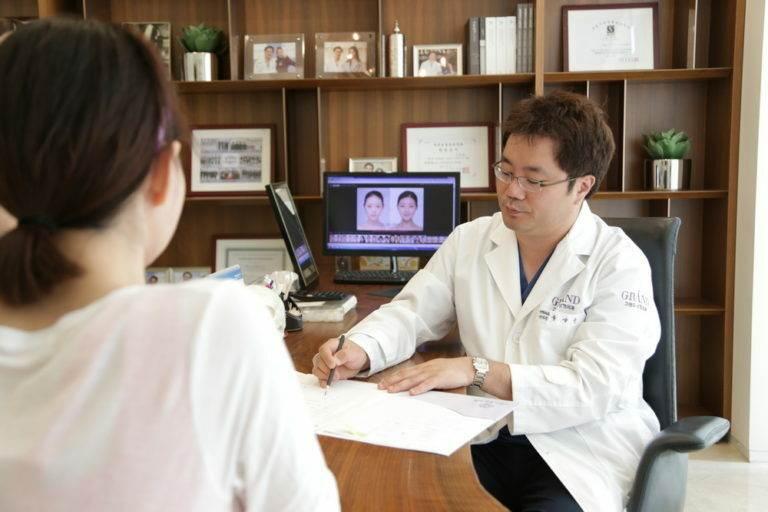 Лечение искривления носовой перегородки (ринопластика, септопластика) в Южной Корее