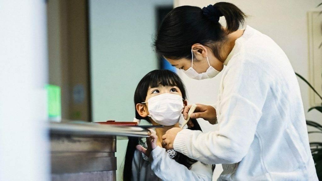 kak ispolzovat masku 1024x575 - Как правильно использовать маску для лица