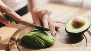 avocado 300x168 - Исследование авокадо: как оно влияет на кишечник?